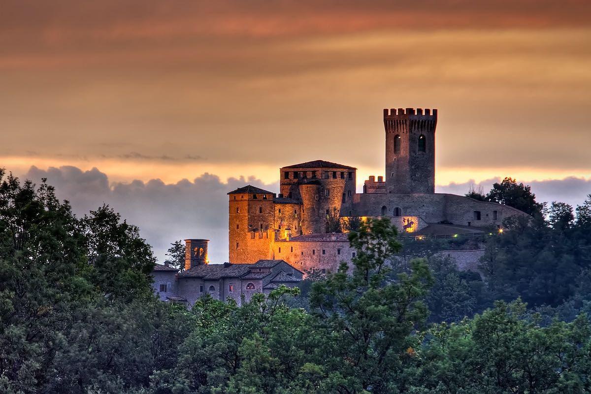 Risultati immagini per castello di montecuccolo