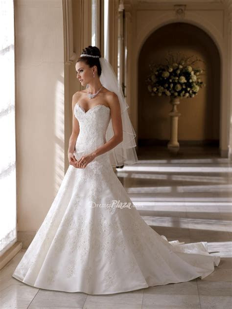 beaded lace over a line wedding dress with sweetheart