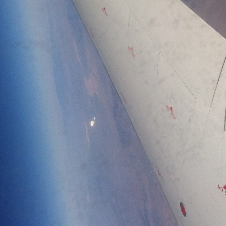 Plane Passenger Snaps UFO on Flight from Phoenix to Burbank