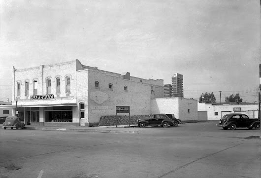 Super high-resolution image of Safeway in the 1940s, 58th Drive just north of Glendale Avenue, Glendale, Arizona. | Brad Hall on Patreon