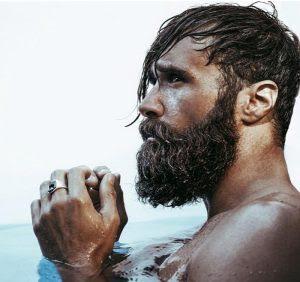 italian-bearded-man-in-water