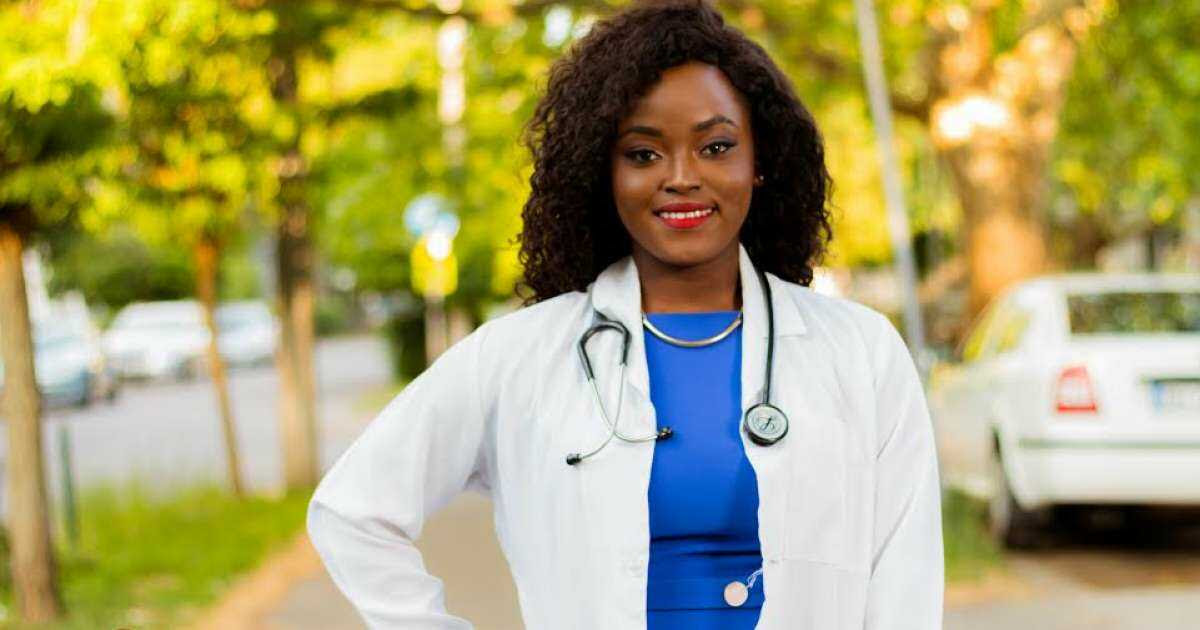 #PROFILE   MEET DEDUN OLUWA, THE 24-YEAR OLD DOCTOR WHO OWNS FOUR BUSINESS VENTURES