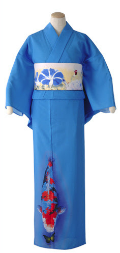 Complimentary motifs. This Yukata is as brilliant as anything Mamechiyo has done in this vein. The blue of the yukata is obviously representing water, with the Koi in a pond. The morning glory, a summer flower in the same colour, but on yellow.  This whole outfit is just WOW. It's perfect.
