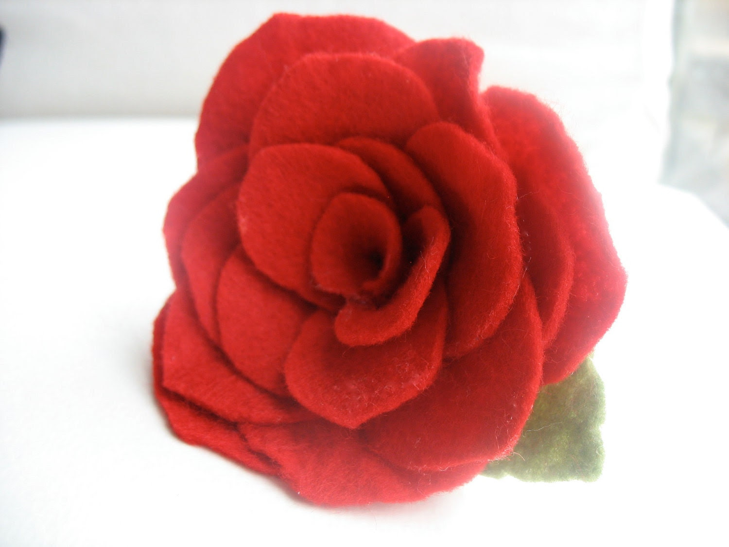 beautiful red felt rose brooch - CrampCakes
