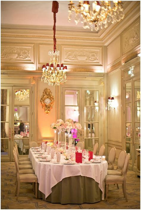 Elegant Salon Marie Antoinette wedding reception in Paris