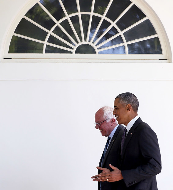 WASHINGTON, DC - JUNE 09: (EDITORS NOTE: Retransmission with alternate crop.)   Democratic presidential candidate Sen. Bernie Sanders (D-VT) (L) walks with President Barack Obama (R) through the Colonnade as he arrives at the White House for an Oval Office meeting June 9, 2016 in Washington, DC. Sanders met with President Obama after Hillary Clinton has clinched the Democratic nomination for president. (Photo by Alex Wong/Getty Images)