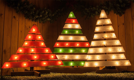 DIY Christmas Trees With Marquee Lights - Christmas Lights, Etc