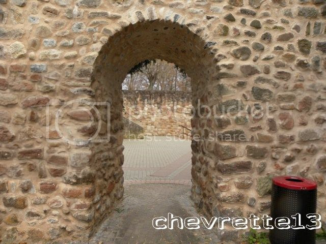 http://i1252.photobucket.com/albums/hh578/chevrette13/FRANCE/DSCN7433640x480_zps06deef90.jpg