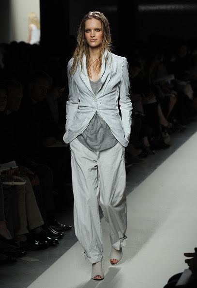 Bottega+Veneta+Milan+Fashion+Week+Womenswear+X8ZpQ6izVM_l