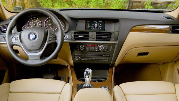 2011 BMW X3 xDrive28i interior