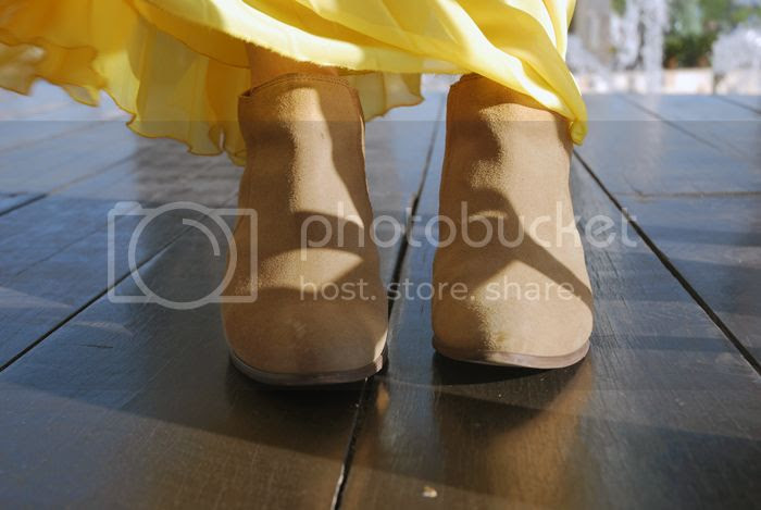 PleatedSkirt + Boots