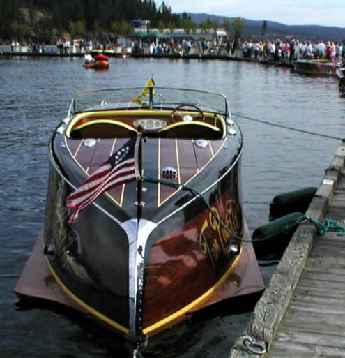 Enavigo wooden boats