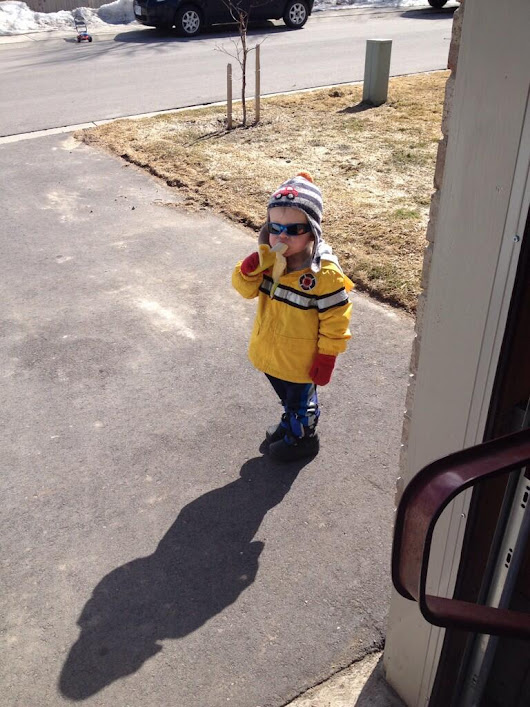 This little boy knocked on a stranger's door and asked for a banana. He got turned into an Internet meme.