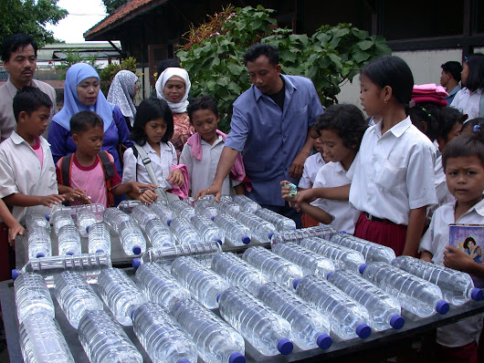 Alfred Polo Foundation » Nurturing talent & leadership for tomorrow » 3 More Ways Communities Are Using Plastic Bottles To Make Their Lives Better