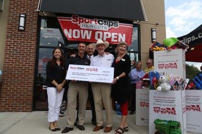 Sport Clips Haircuts celebrates 1,500th store milestone in founder's hometown by giving back to