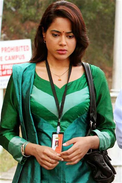 Sameera Reddy Latest Vedi,vettai Film Cute Stills   6 Pics