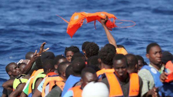 """Migranti, Germania: """"No all'apertura di altri porti Ue per l'accoglienza"""""""