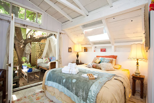 Artsy and Rustic 1927 tree house - Treehouses for Rent in Los Angeles