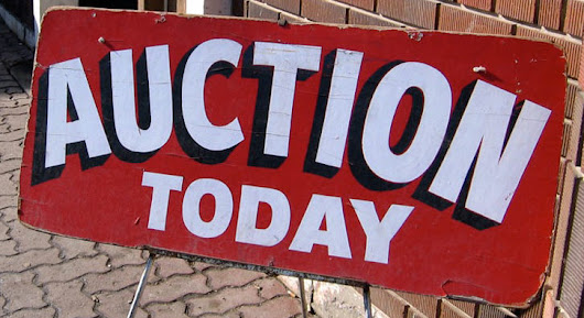 12 Tips for Shopping An Auction