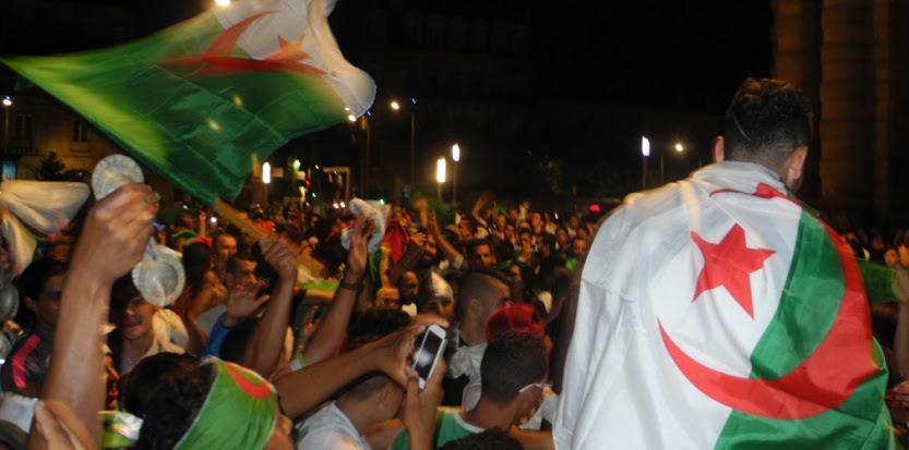 Les supporters de l'Algérie se sont aussi réunis à Bordeaux pour fêter la qualification de leur équipe