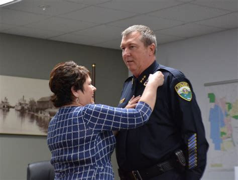 Woodland swears in police chief   News   thereflector.com