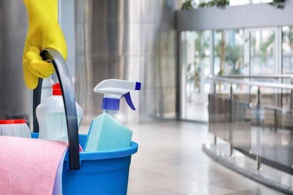 Фирма из Самары задолжала уборщице 24 тысячи рублей