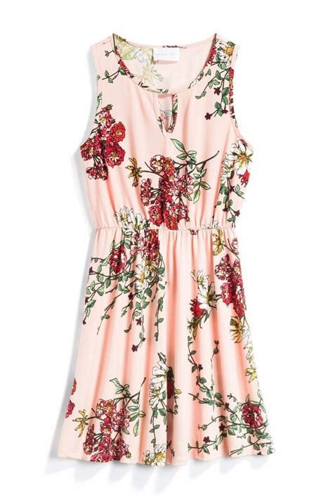 Best 25  March wedding guest outfits ideas on Pinterest