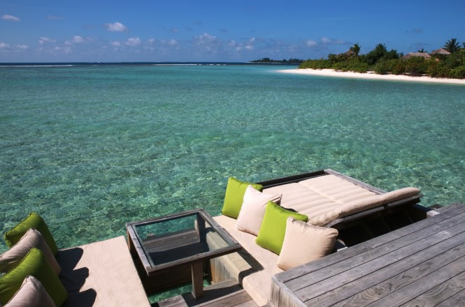 maldives resort sit out