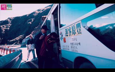 首獎《夢幻巴士──豐原客運6506公路公車》,記錄了豐原客運司機每日往返於豐原、合歡山的點滴(徐仲彥提供)。