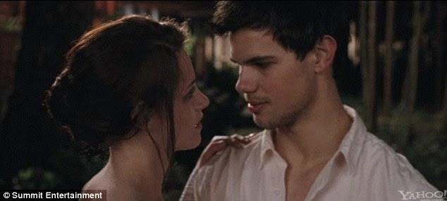 Ένας τελευταίος χορός: Αναστατωμένη Jacob φτάνει στο γάμο να πω αποχαιρετισμοί του να Bella