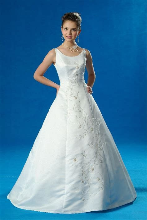 (AUBL3126WTBU) Marvelous White A line Bridal Gown with