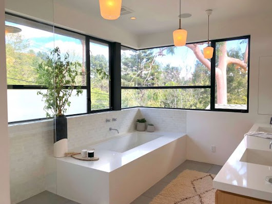 A Bathroom Up In The Treetops! Dwell On Design's Fabulous Home Tours - Part 1