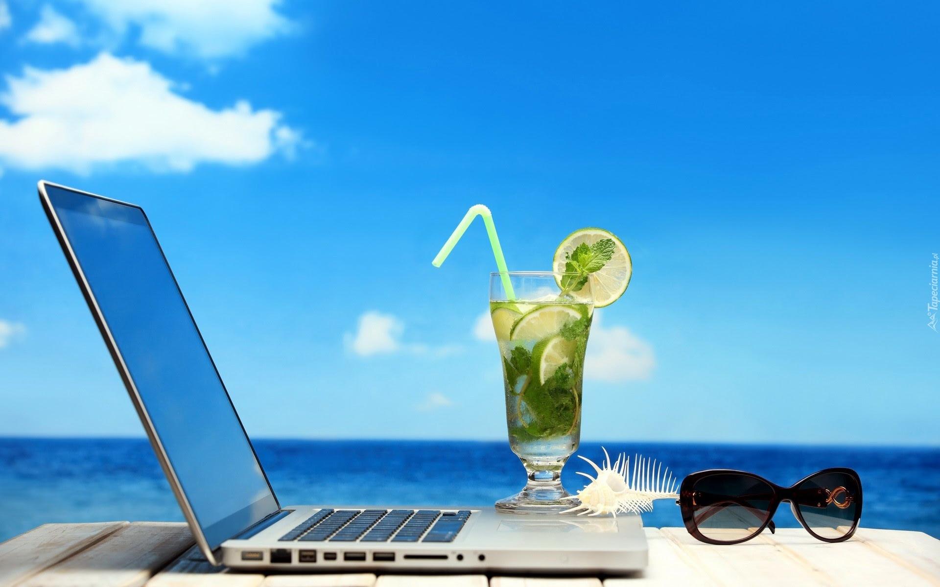 Laptop. Drink, Okulary, Morze, Lato