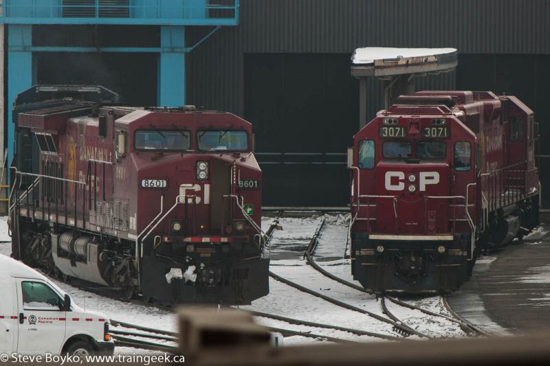 CP 8601 and CP 3071 in Calgary