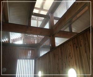 蔵王温泉「上湯共同浴場」、浴室から上を見上げるとこんな感じ。美しい~。