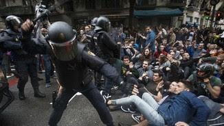 Càrregues policials el dia del referèndum