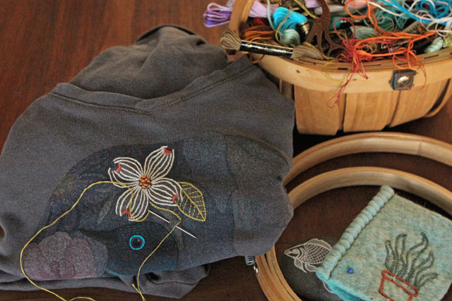 Elephant iron-on embroidery