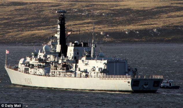 Despachado: HMS Montrose, um Tipo 23 fragata, estava participando de um exercício multinacional na costa dinamarquesa, quando ela foi enviada para investigar um navio de superfície não identificado pegou no radar