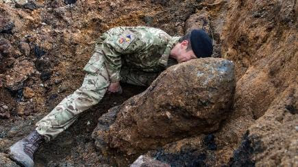 Bid to defuse 1,000lb wartime bomb