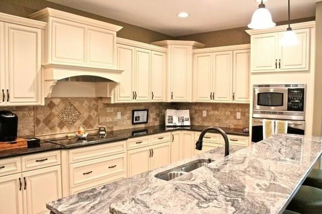 Antique White Maple Glaze Kitchen Cabinets - Traditional ...