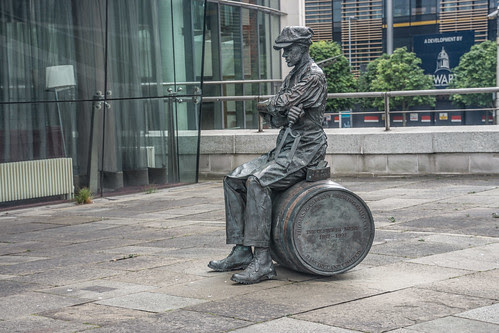 The Ulster Brewer / Barrel Man By Ross Wilson (Lanyon Place, near Waterfront Hall) by infomatique