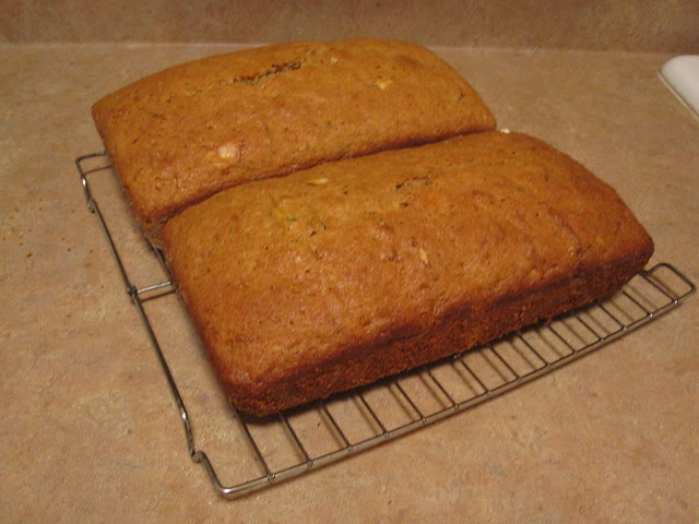 Zucchini bread (round 2 of many?)