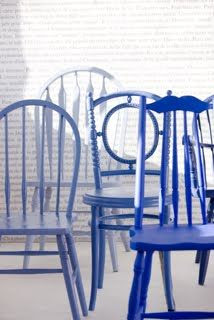 deffernt chairs in differnt tones of elegant blue..