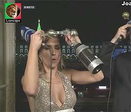 Joana Teles sensual na passagem de ano na Rtp