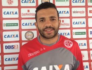 Rafael Estevam - lateral-esquerdo do América-RN (Foto: Klênyo Galvão/GloboEsporte.com)