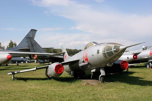Yakovlev Yak-27R 14 red