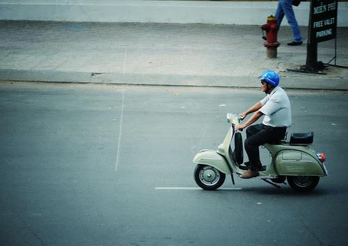 Người Saigon by MrAlone [0906898784]