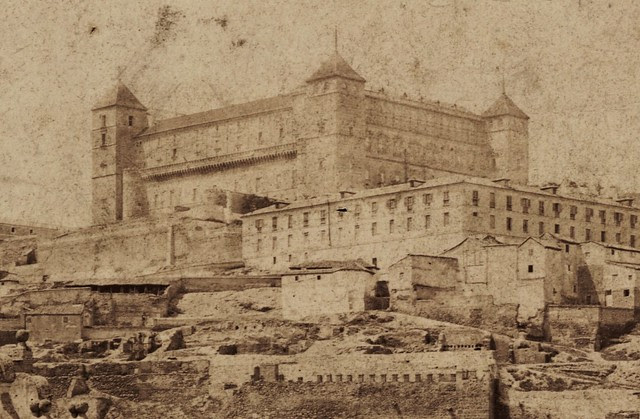 Puente de Alcántara y Alcázar de Toledo hacia 1870. Fotografía de Robert Peters Napper para Francis Frith. Victoria and Albert Museum, London (detalle)