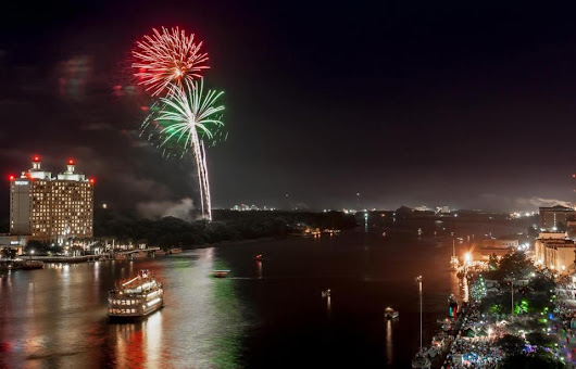 8 Ways to Celebrate New Year's Eve in Savannah