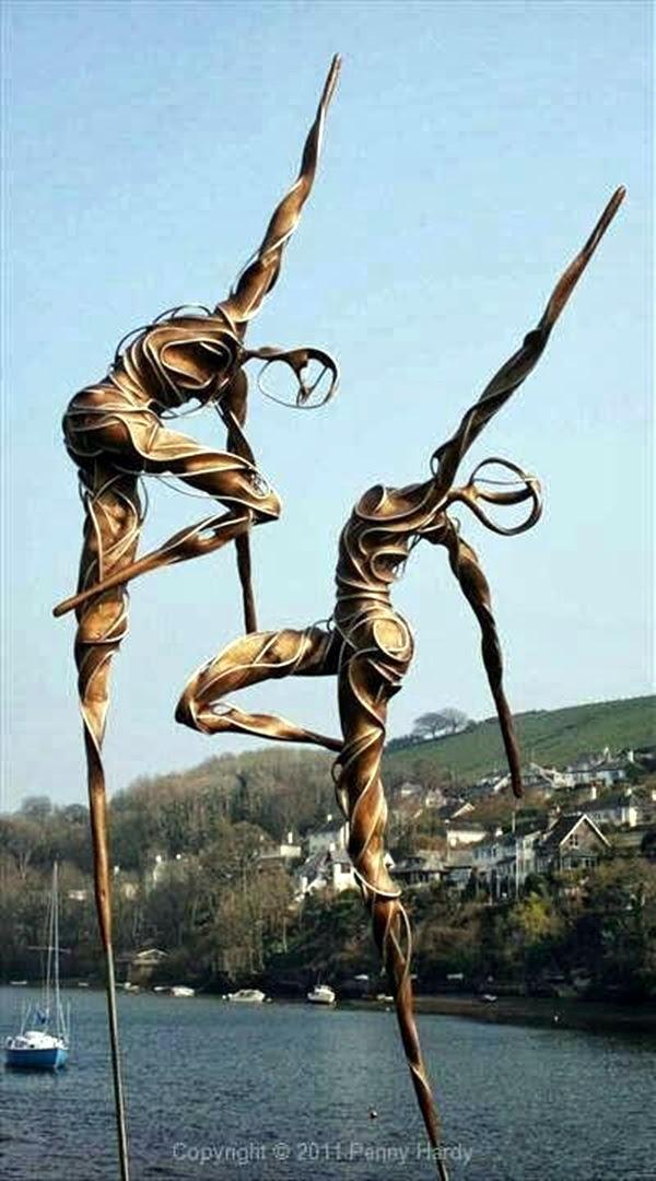 Astonishingly Life-Like Figuratives Sculptures (2)